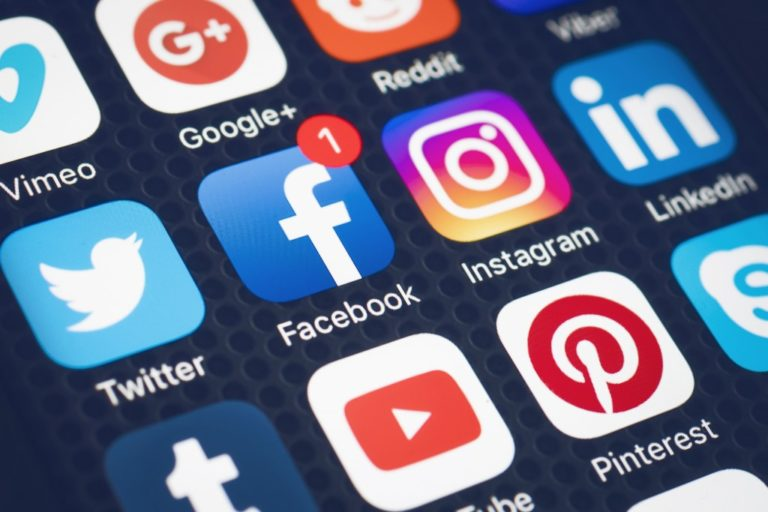 social media apps on the phone